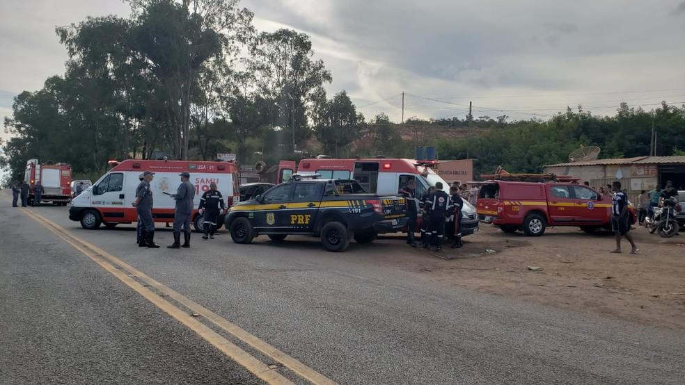 Acidente foi na altura do km 441 da BR-381. — Foto: Iana Coimbra/TV Globo