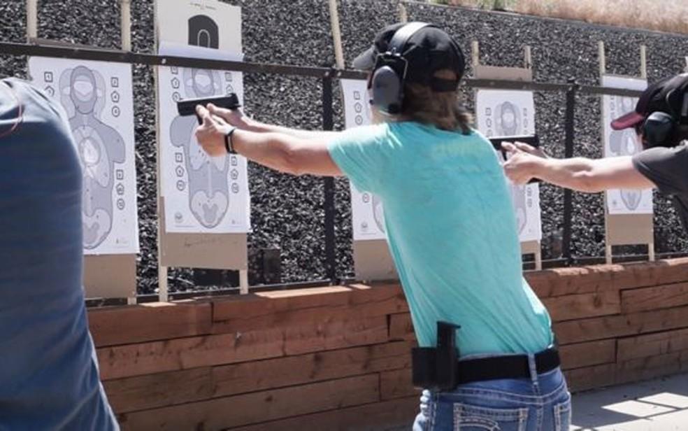 Em treinamento no Colorado, funcionários têm antecedentes analisados antes de iniciarem o curso (Foto: Faster/Divulgação)