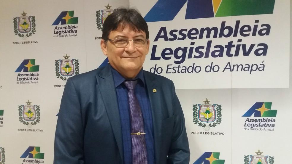 Deputado estadual Max da AABB presidiu audiência pública em Macapá (Foto: Jéssica Alves/G1)