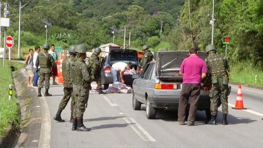 Forças Armadas fazem operação em rodovias na Serra do RJ