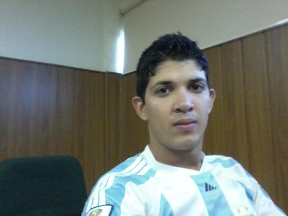 Cabo Samuel Borges foi morto a tiros na frente dos filhos. — Foto: Reprodução/Facebook