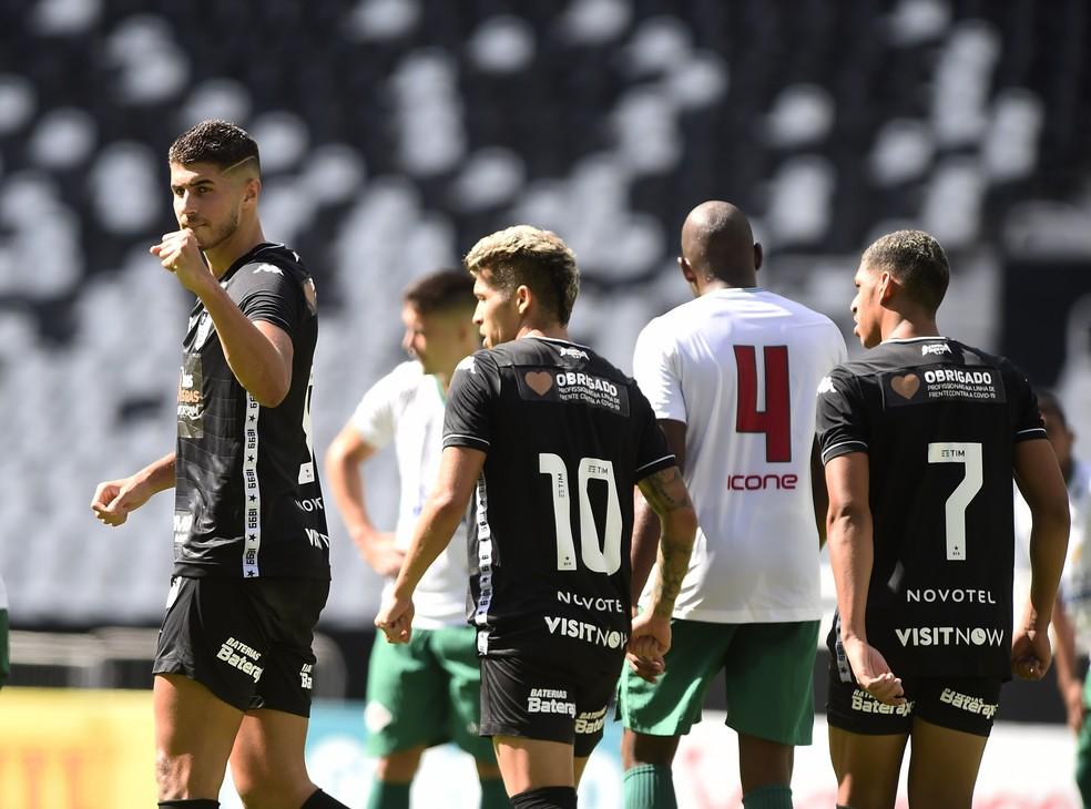Pedro Raul, Bruno Nazário e Luis Henrique em Botafogo x Cabofriense — Foto: André Durão