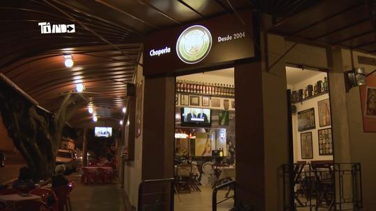 Reveja: Mário conhece bar com nome bem diferente em Uberaba