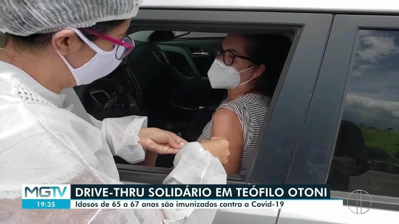 Idosos de 65 a 67 anos são imunizados em Teófilo Otoni