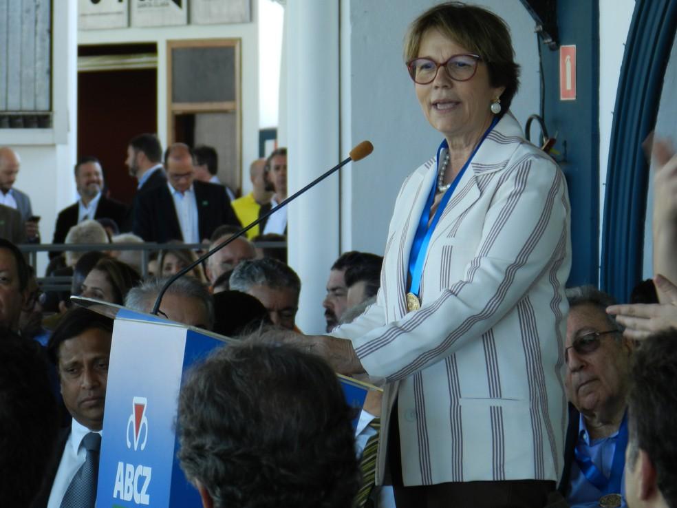 Ministra da Agricultura discursou durante a abertura da Expozebu 2019 — Foto: Mariana Dias/G1