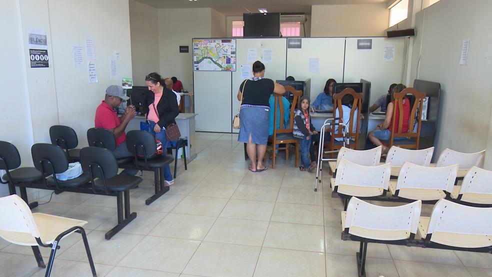 Pacientes são levados para fazer exames em Vilhena e Porto Velho.  (Foto: Magda Oliveira/G1)