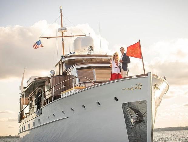 Casa-barco de 1947 é restaurada e colocada à venda por R$ 10,7 milhões (Foto: Divulgação)