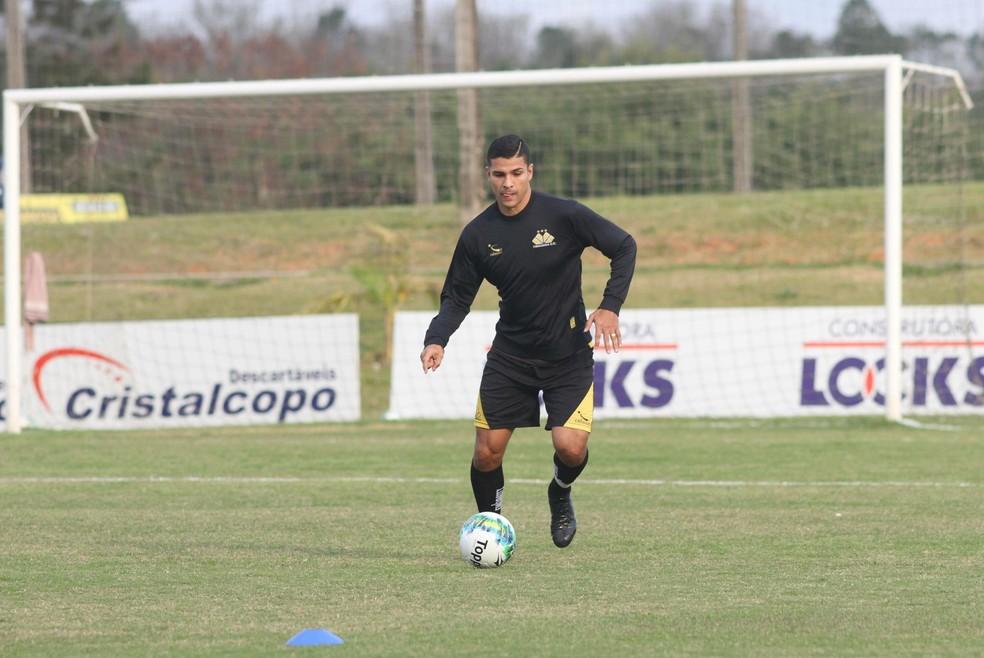 Zagueiro Luiz Antonio (Ferron) vestiu a camisa do Criciúma na última temporada e já passou pelo Uberlândia em 2007 (Foto: Fernando Ribeiro/Criciúma EC)