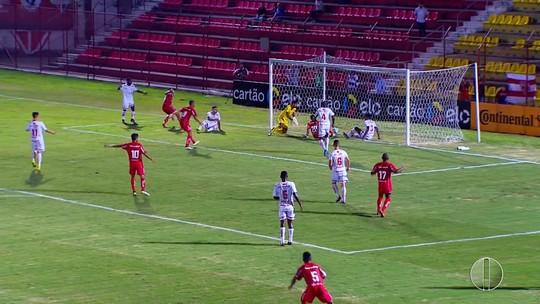 Somália se machuca na estreia e fica fora contra o Vitória; Curió é chamado