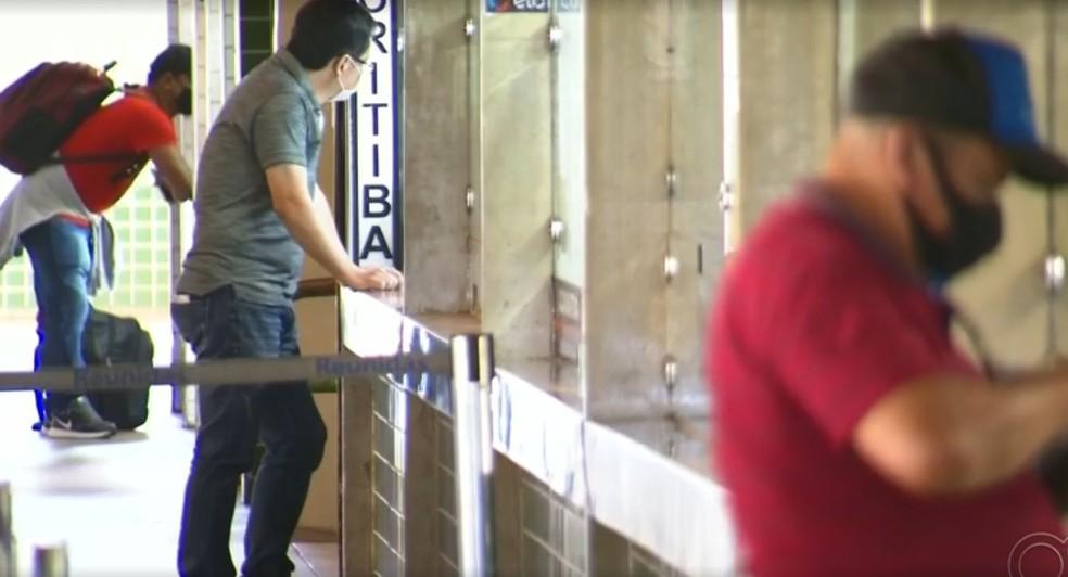 Bauru e outras cidades da região registraram queda no número de passageiros em viagens rodoviárias, segundo dados da Artesp — Foto: TV TEM/Reprodução