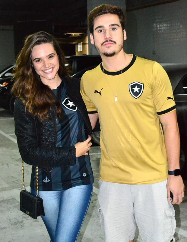 Juliana Paiva e Nicolas Prattes (Foto: AgNews)