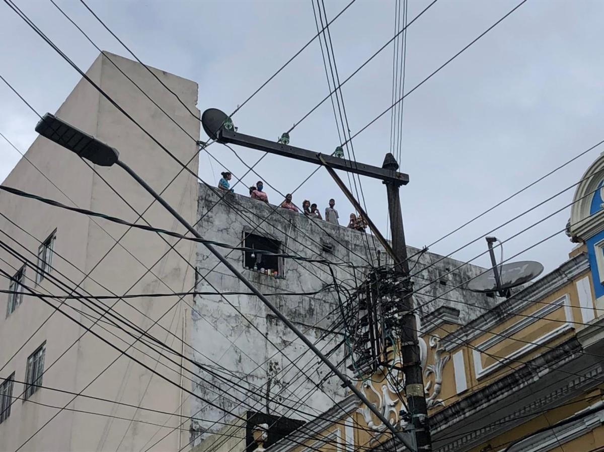 Incêndio atinge hotel no Centro de Manaus