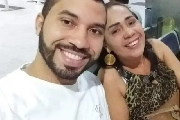 Gilberto e a mãe, Jacira (Foto: Reprodução)