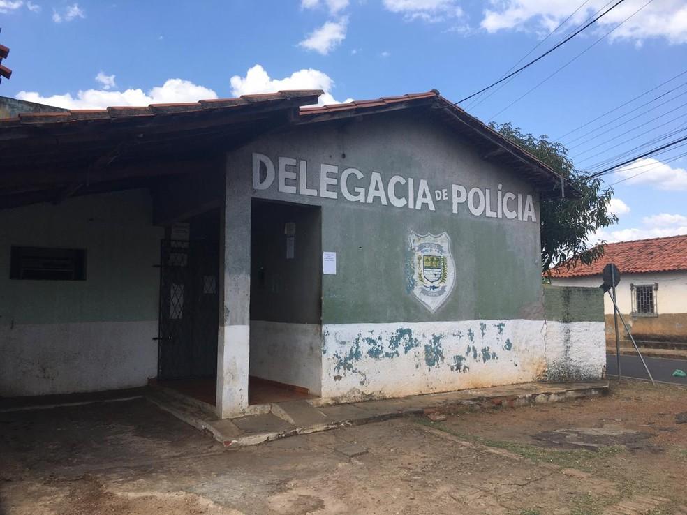 Delegacia de Amarante, no Piauí, estava fechada nesta quinta-feira (17) — Foto: Maria Romero/G1 PI