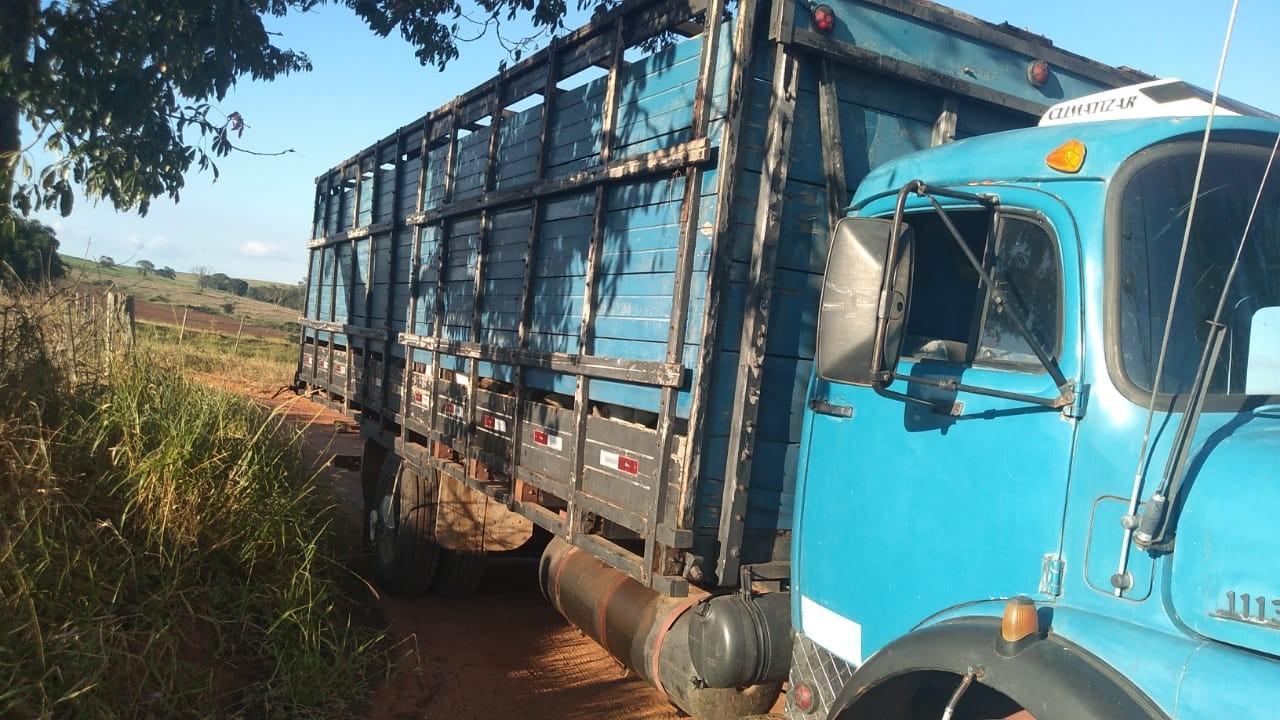 Três são presos por furto de gado após abordagem em Ubirajara