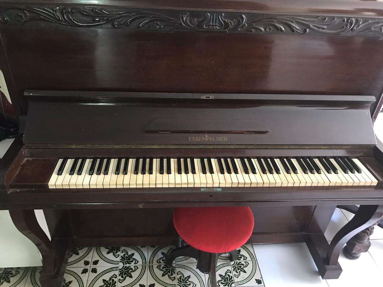 De piano a bandolim, músicos cearenses se desfazem dos próprios instrumentos para pagar as contas durante a pandemia