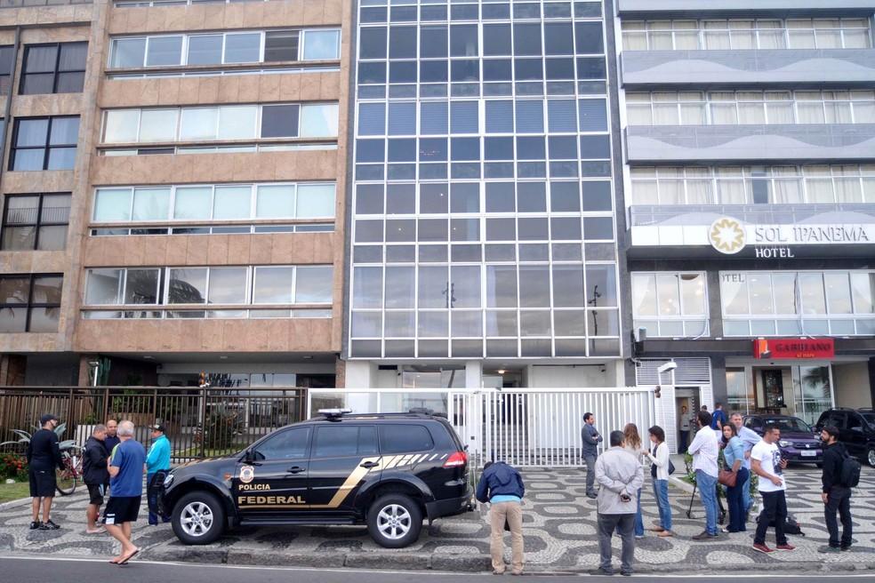 Apartamento do senador Aécio Neves é alvo de busca e apreensão durante operação da Lava Jato em Ipanema, na Zona Sul do Rio de Janeiro (Foto: Alessandro Buzas/Futura Press/Estadão Conteúdo)