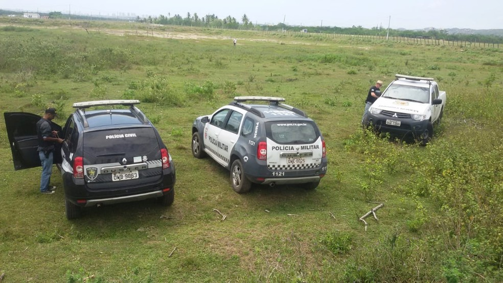 Policiais civis e militares fizeram buscas pela região, entre Regomoleiro e Santo Antônio dos Barreiros — Foto: Polícia Civil do RN/Divulgação