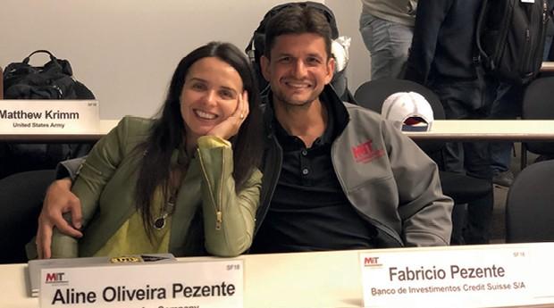 O casal Fabricio e Aline Pezente  durante a última aula no MIT  (Foto:  )