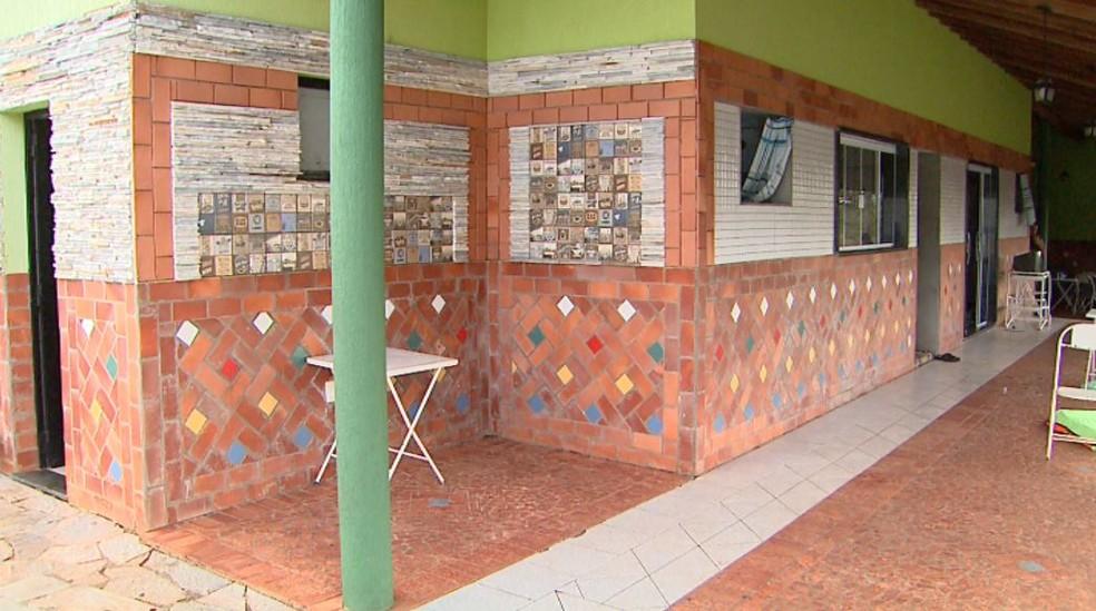 Chácara alugada para refino de drogas em Ribeirão Preto, SP (Foto: Reprodução/EPTV)