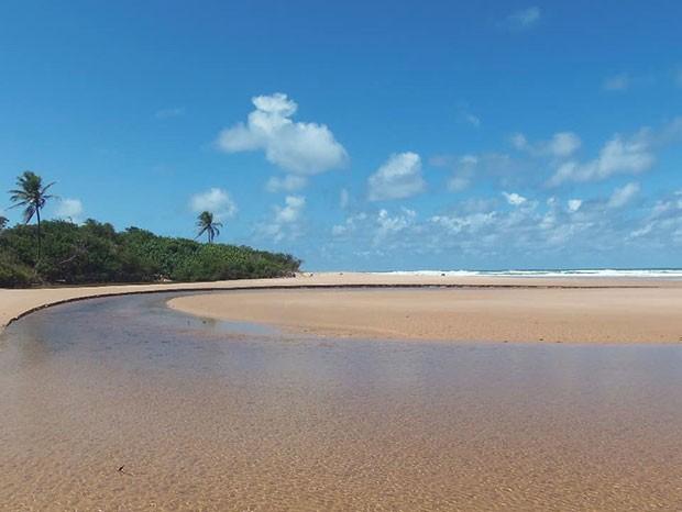 Praia de Massarandupió, em Entre Rios, na Bahia (Foto: Reprodução/Instagram)