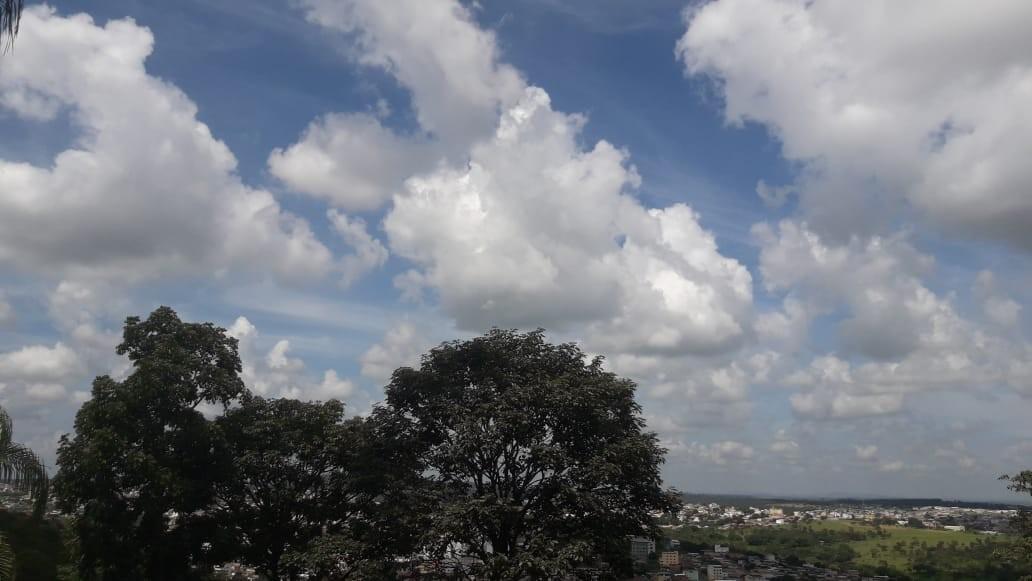 Fim de semana no Centro-Oeste de MG será de céu entre nuvens e pancadas de chuva isoladas