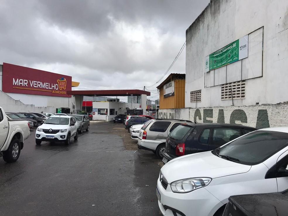 Bandido assalta loja dentro da Ceasa e foge com dinheiro do caixa e carteira de cliente — Foto: Ayrton Freire/Inter TV Cabugi