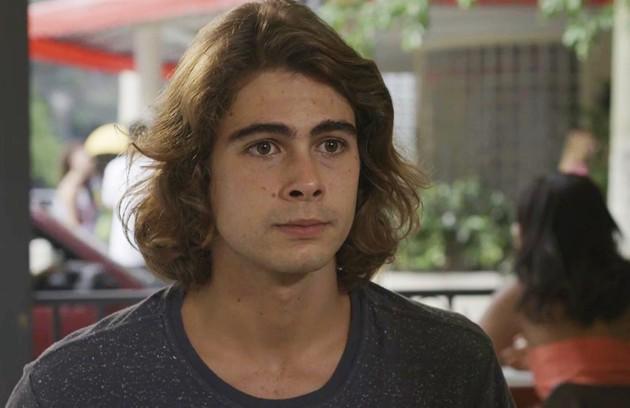 No sábado (1º), João (Rafael Vitti) enviará as provas contra Jerônimo (Jesuíta Barbosa) para a família Ferreira Lima (Foto: TV Globo )