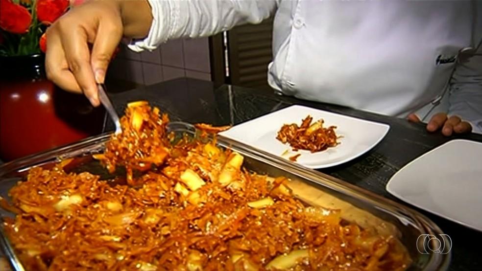 Doce de quebra queixo leva poucos ingredientes no preparo (Foto: Reprodução/ TV Anhanguera)