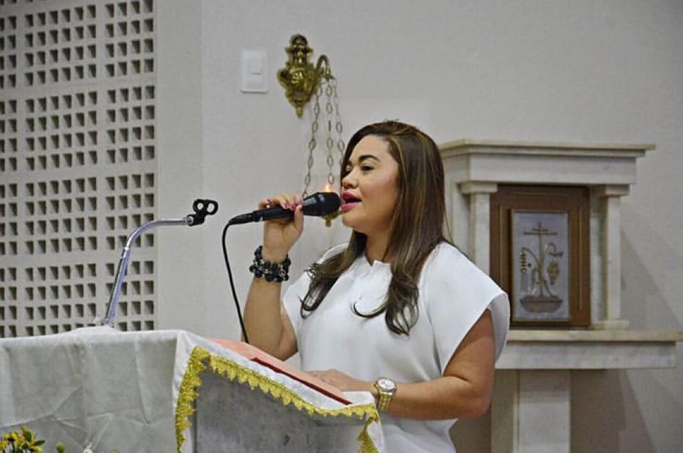 Katiane era professora e cantava na igreja — Foto: Arquivo familiar/Cedida