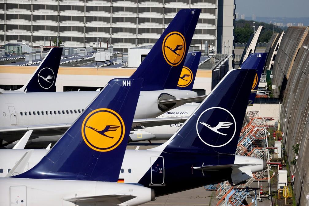 Aviões da companhia Lufthansa no aeroporto de Frankfurt, Alemanha, em foto de 25 de junho de 2020 — Foto: Kai Pfaffenbach/Arquivo/Reuters