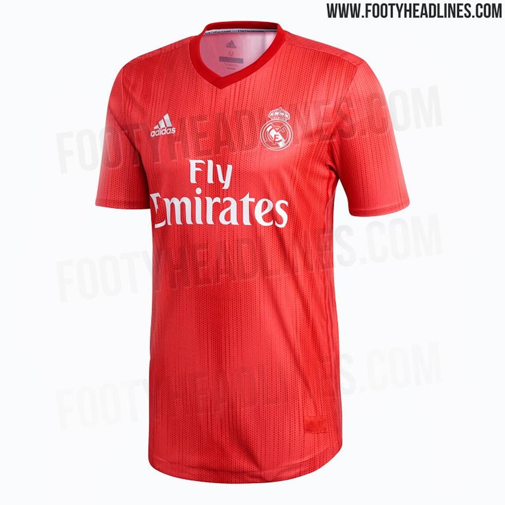 Vaza o novo terceiro uniforme do Real Madrid para 2018 2019  confira ... 2f473106b5695
