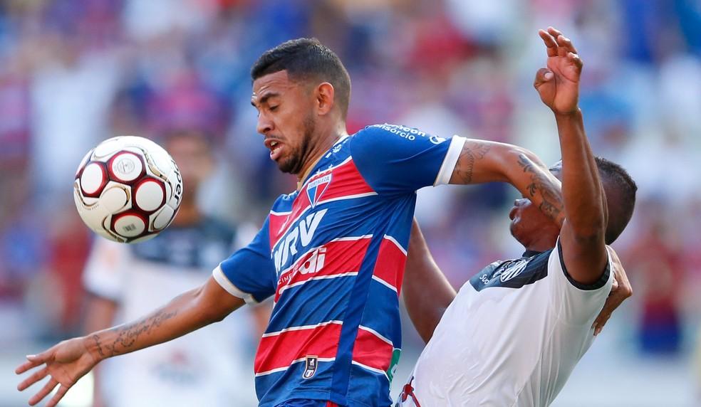 Fortaleza conquistou o acesso à Série B contra o Tupi-MG, eGoverno quer amistoso no estádio Castelão  (Foto: JL Rosa/Agência Diário )