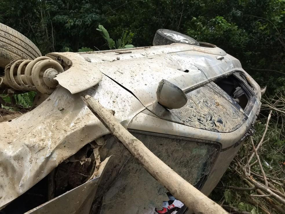 Ex-deputado foi socorrido para hospital em Moreno, no Grande Recife (Foto: PRF/Divulgação)