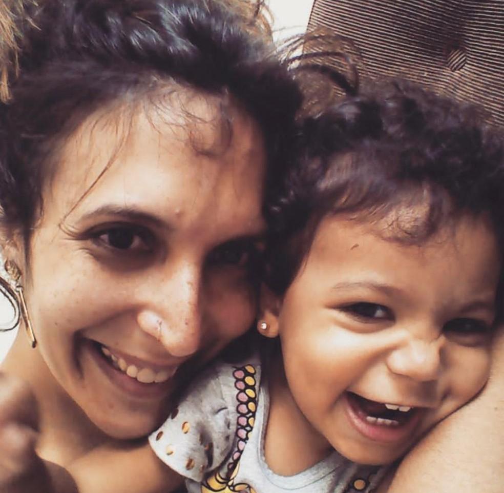 Marina com a filha Malu, de quatro anos. — Foto: Arquivo Pessoal/ Marina Mendes