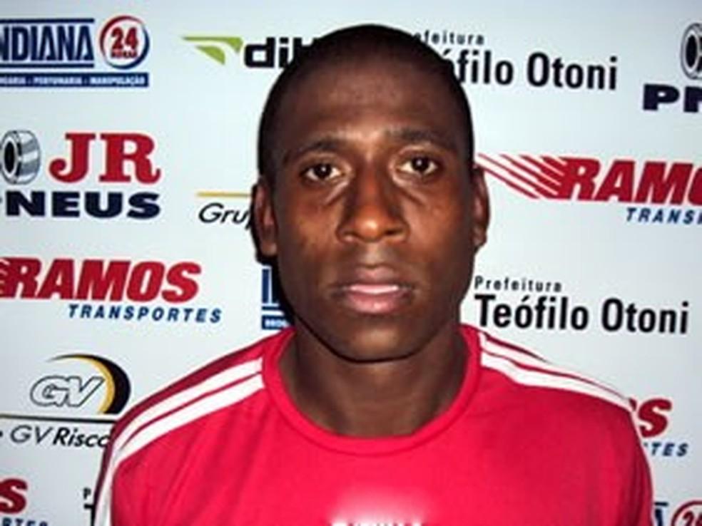 Diogo jogou pelo Teófilo Otoni, de Minas Gerais — Foto: Divulgação