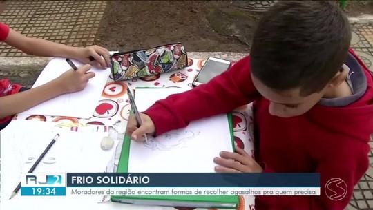 Moradores do Sul do Rio fazem campanhas para doar agasalhos a quem precisa