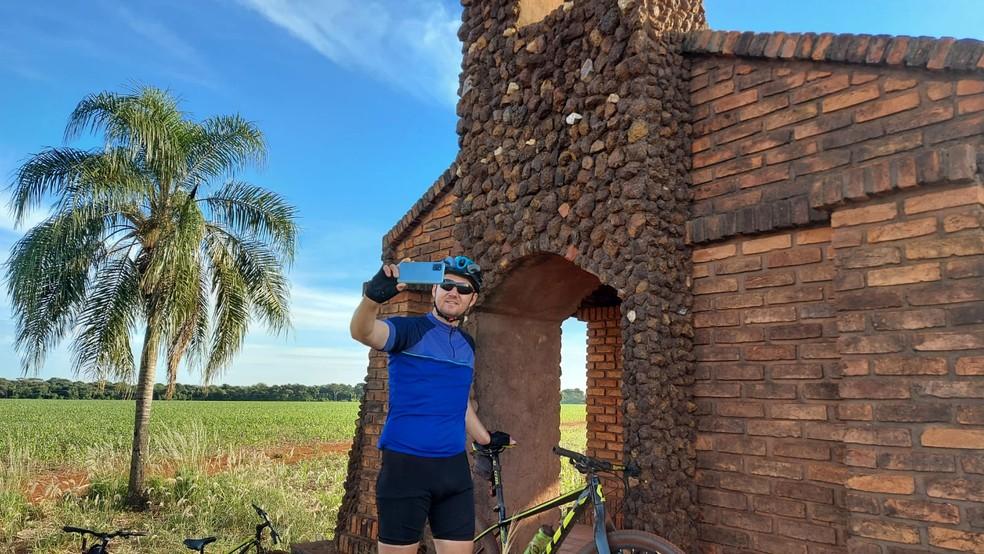 Fotos da igreja de pedra tem viralizado nas redes sociais — Foto: Redes Sociais