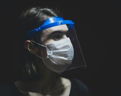 Distanciamento, máscara e proteção ocular são essenciais contra Covid-19