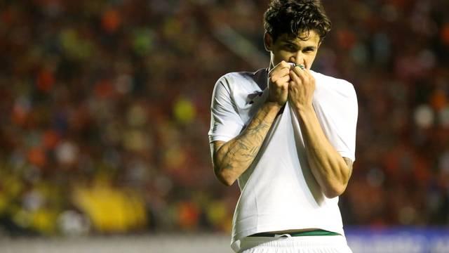 Pedro festeja o segundo gol do Fluminense na Ilha do Retiro