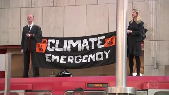 Mais de 300 são presos em Londres em atos em favor do meio ambiente