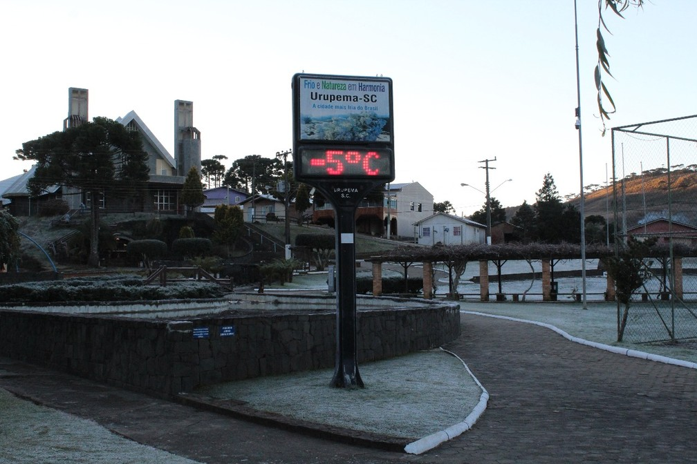Termômetros com marcas negativas em Urupema (Foto: Marleno Muniz Farias/ Prefeitura de Urupema/ Divulgação)