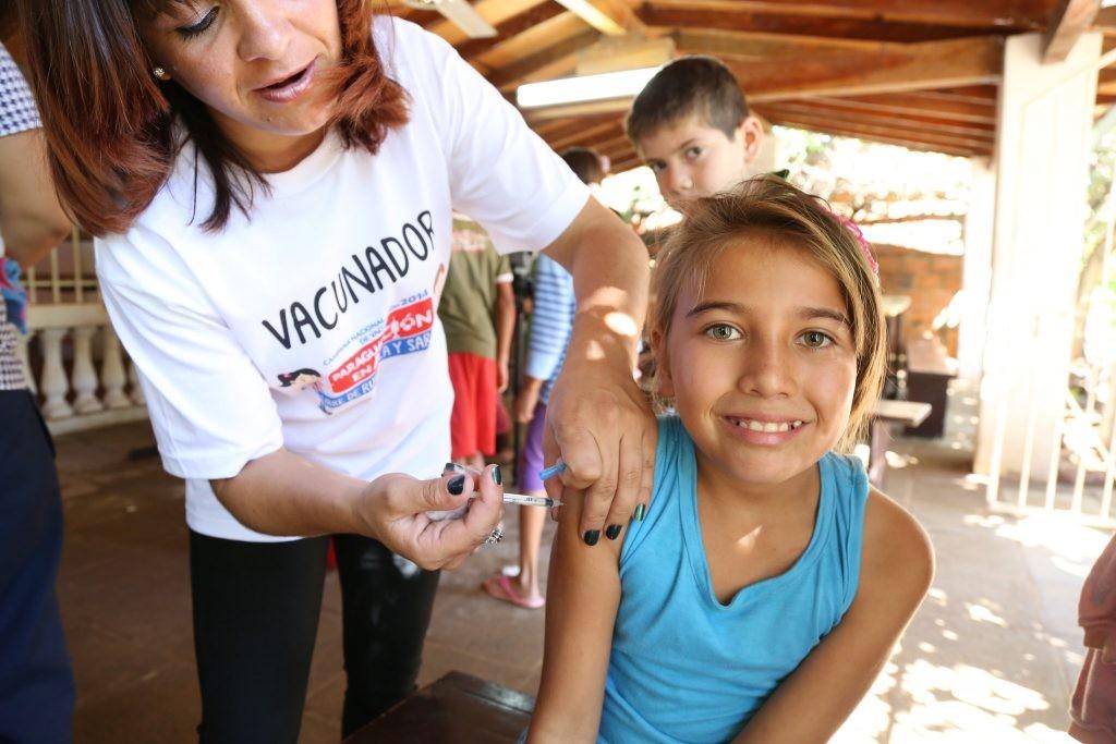 Campanha de vacinação contra o sarampo no Paraguai. (Foto: Divulgação OPAS)