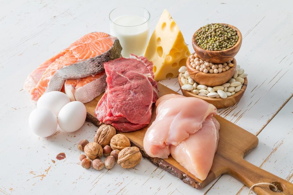 Carnes, ovos, leite e derivados e leguminosas são fontes de proteínas — Foto: iStock Getty Images