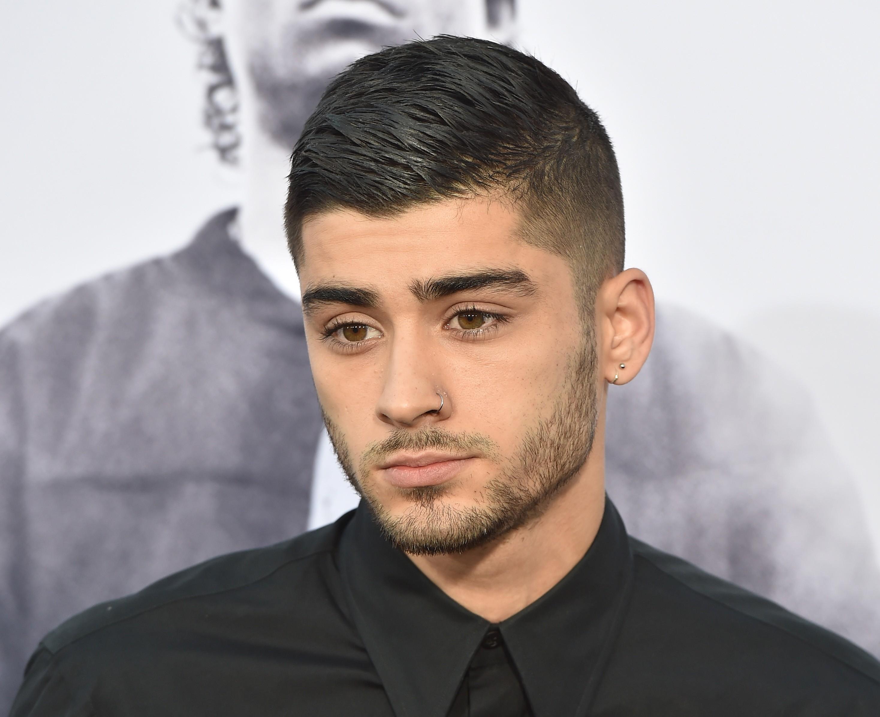 O músico Zayn Malik na época que ainda não tinha a tatuagem em sua cabeça (Foto: Getty Images)