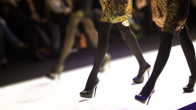 Os modelos que se afundam em dívidas ao tentar carreira no mundo da moda