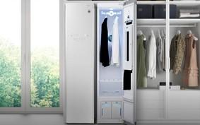 Armário inteligente que higieniza e passa roupas