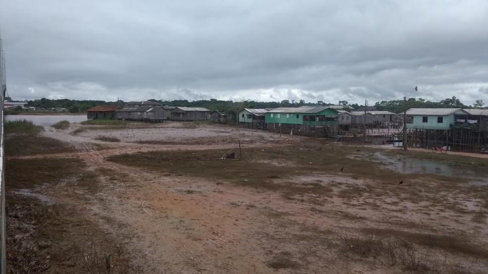 Ao todo, 29 famílias tiveram de deixar suas casas devido a cheia do Rio Juruá — Foto: Mazinho Rogério/G1