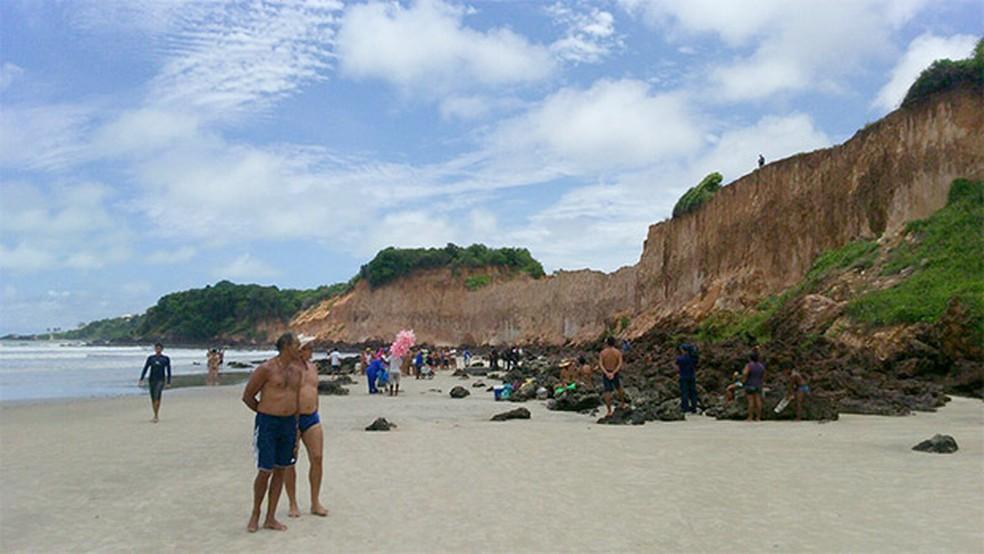 Falésias de Cotovelo, são um dos atrativos do litoral sul potiguar, onde turistas foram assaltados  (Foto: Heloísa Guimarães/Inter TV Cabugi)
