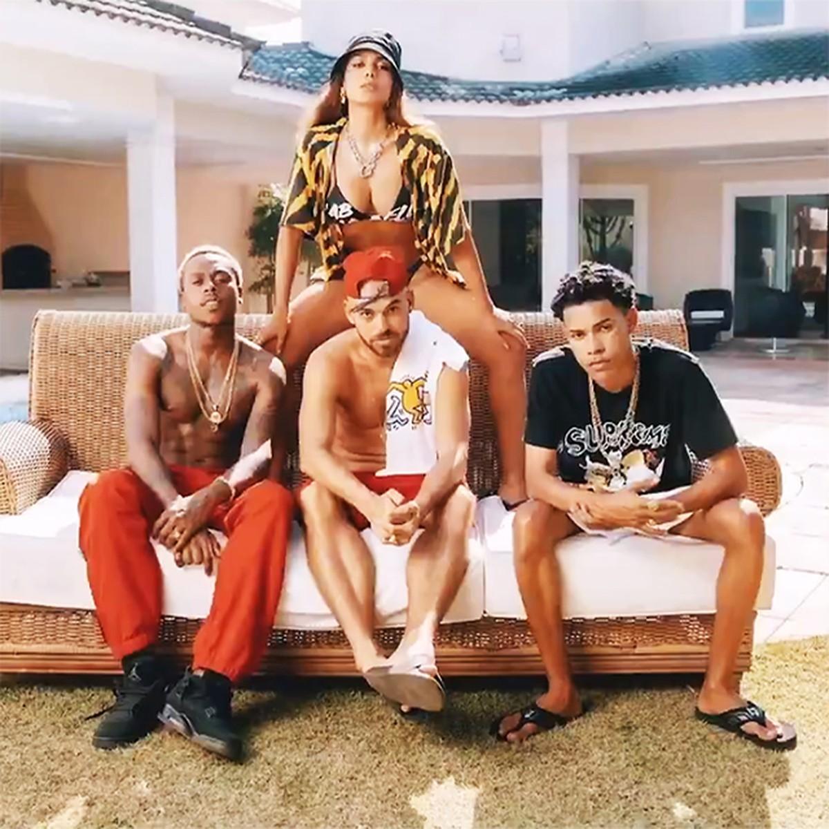Papatinho reúne Anitta e os rappers BIN e Dfideliz no single 'Tá com o Papato' | Blog do Mauro Ferreira